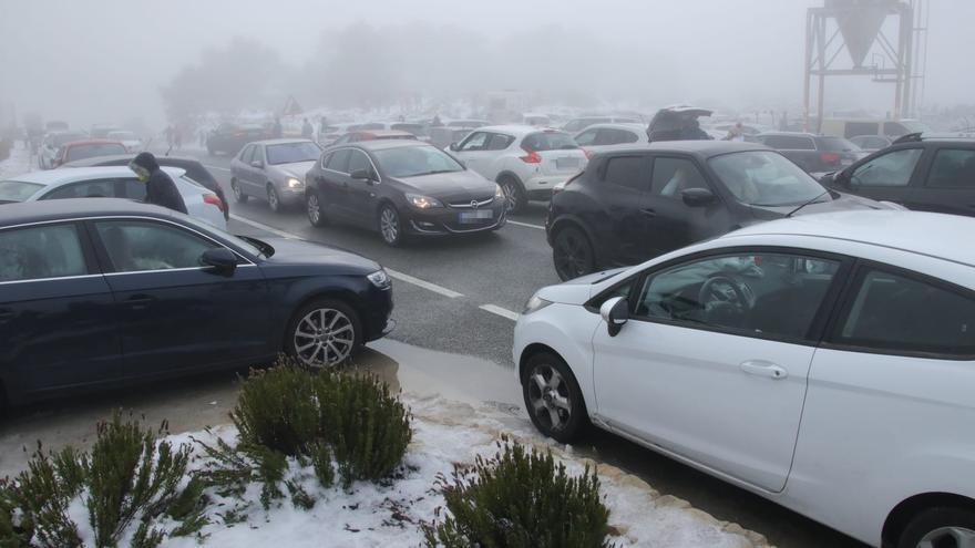 Mazón implora a la ciudadanía que no vaya a ver la nieve