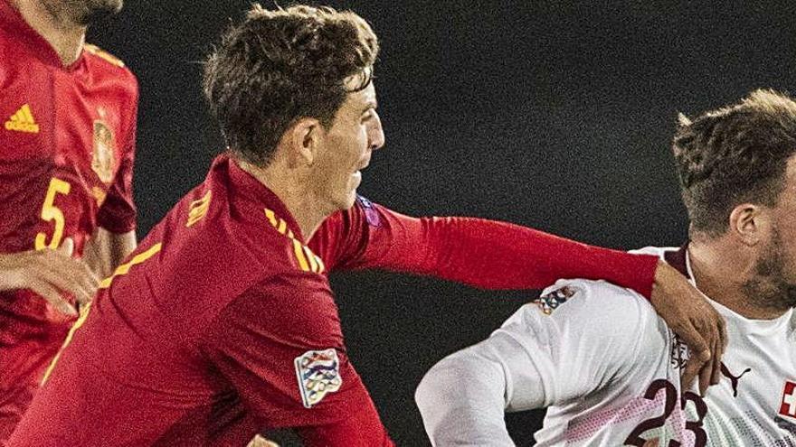 Pau Torres coge tonalidad con España