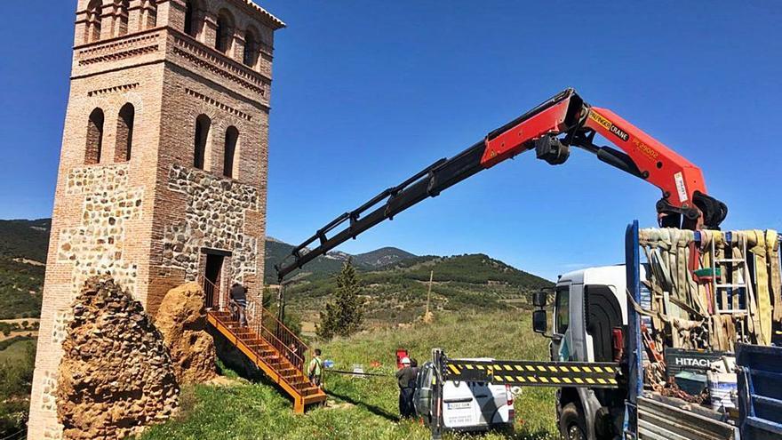 El Torreón de la Lisalta ya tiene escalera de acceso