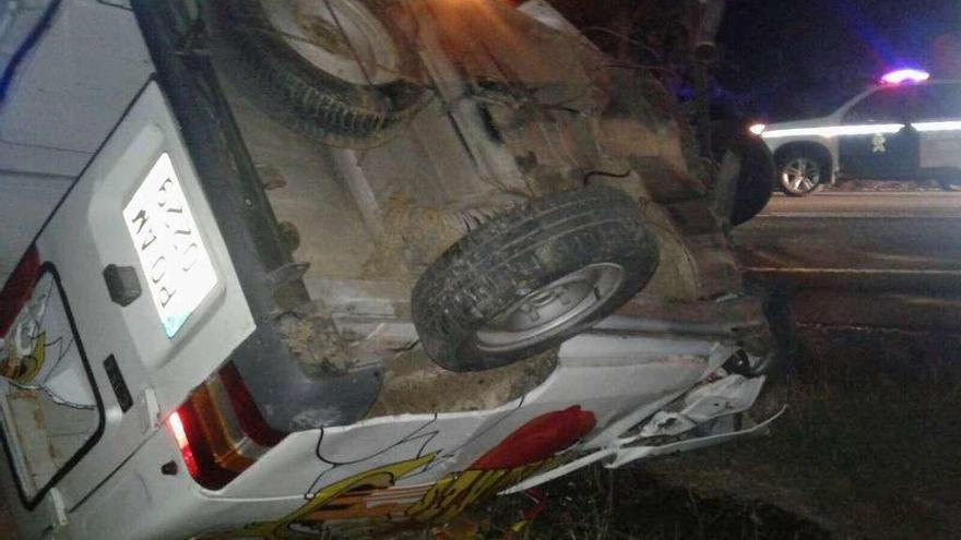 Un joven músico de Lalín fallece al chocar con su furgoneta tras actuar en Láncara