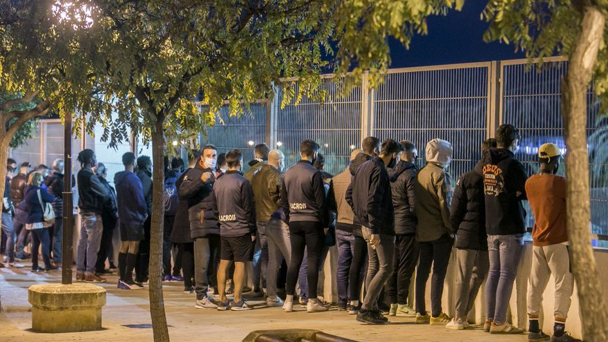 Sanidad permite un máximo de 150 espectadores en los campos de Segunda B, Tercera y fútbol no profesional