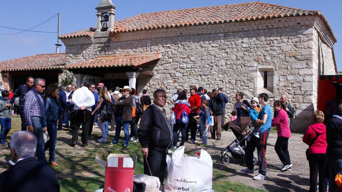 La ermita y pradera del Cristo de Valderrey son propiedad del Obispado de Zamora