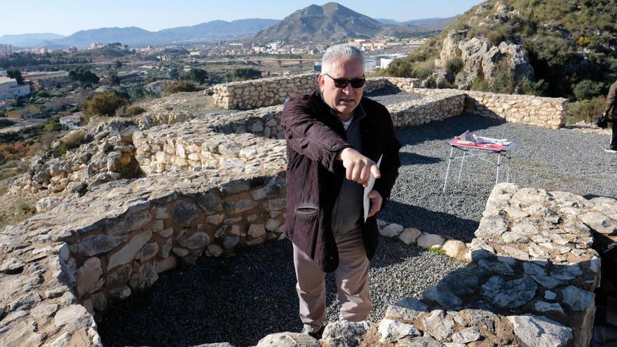 Antonio Poveda renuncia a la dirección del Museo Arqueológico de Elda
