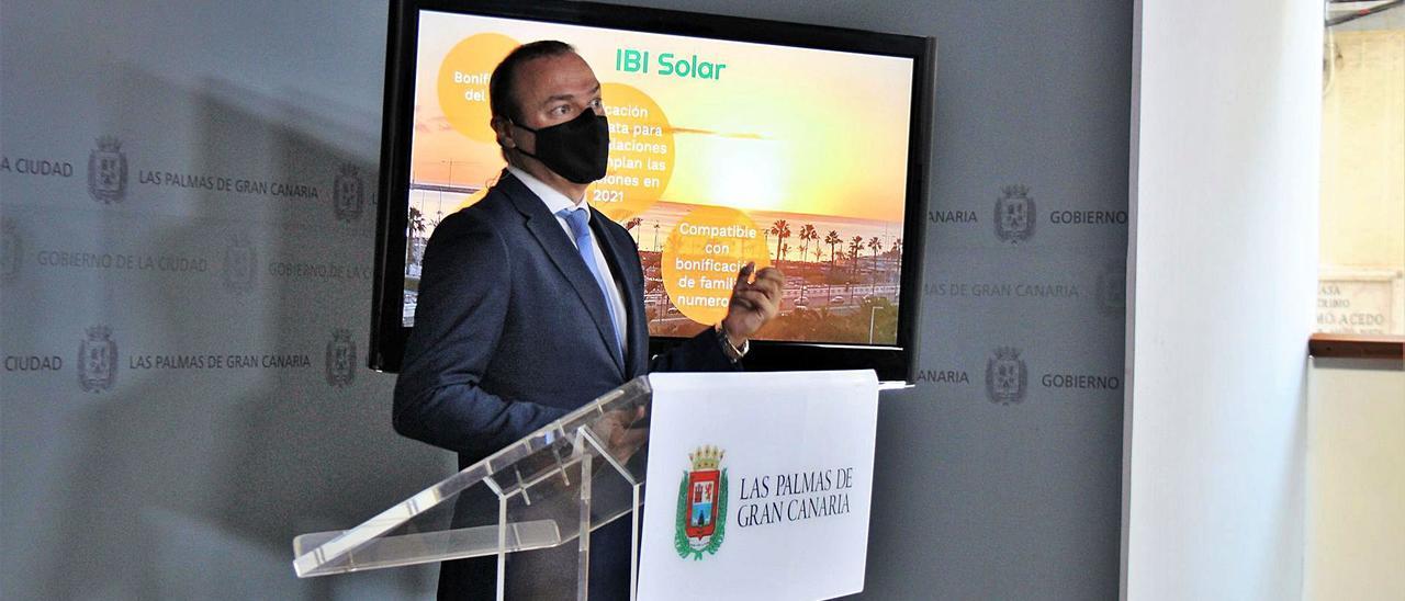 Augusto Hidalgo explica el IBI Solar.