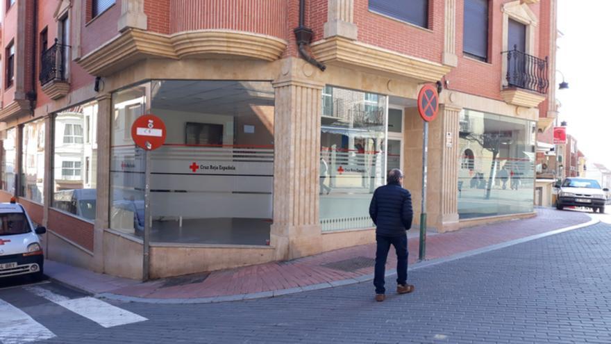 Cruz Roja Benavente pone a la venta los boletos para el Sorteo de Oro en calle Santa Cruz
