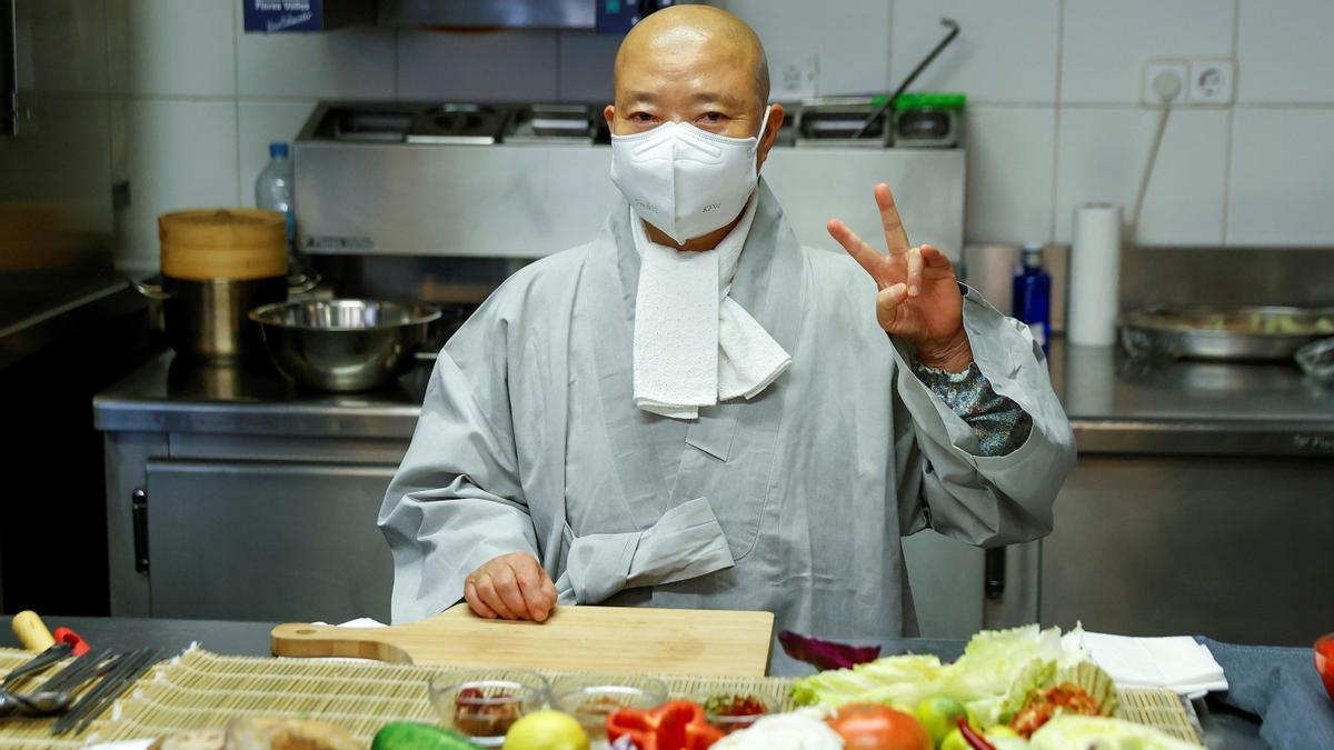 Jeong Kwan, la monja budista que enseña a salvar el planeta con su comida.
