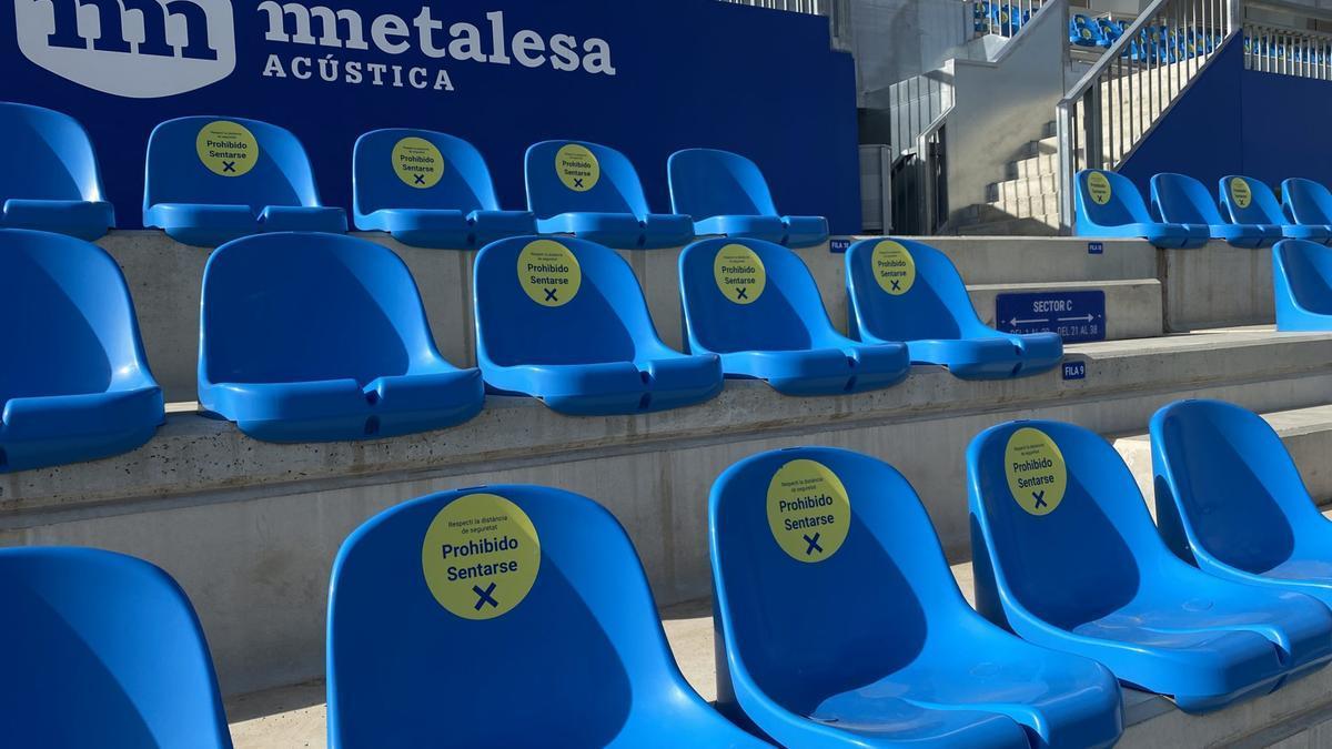 Imagen de los asientos en el Estadi Balear.