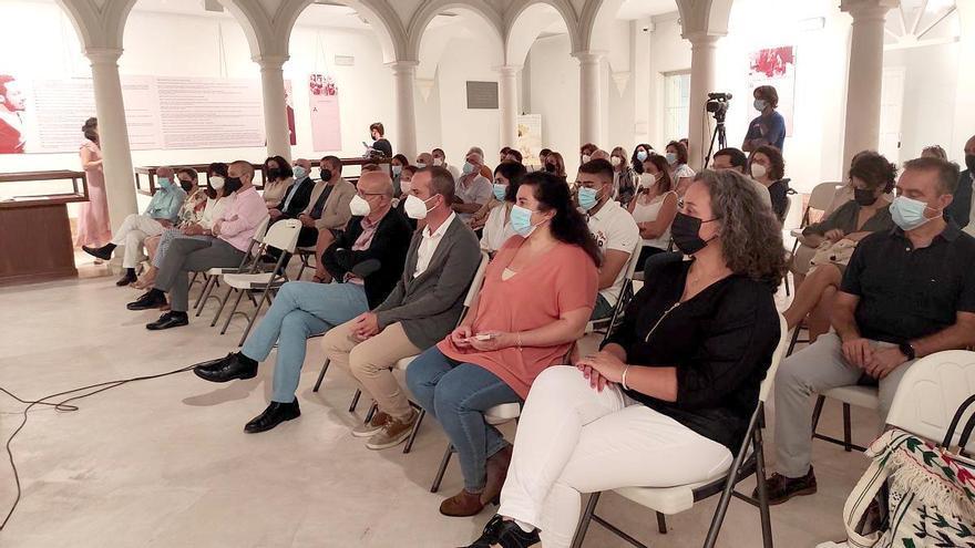 El Ayuntamiento de Montilla homenajea a varios docentes jubilados