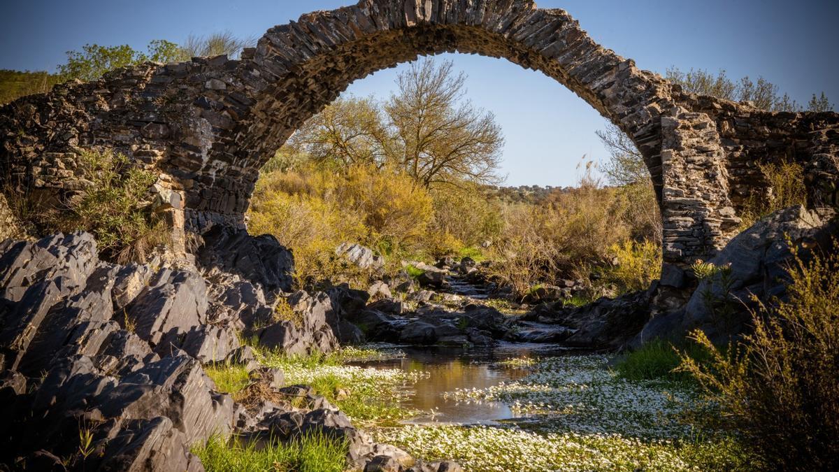 Imagen del puente Pellejero de Belalcázar.