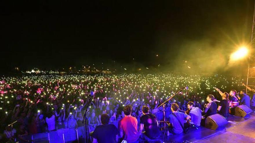 Les 18.000 persones que van veure Txarango fan rècord de públic en un acte a Igualada