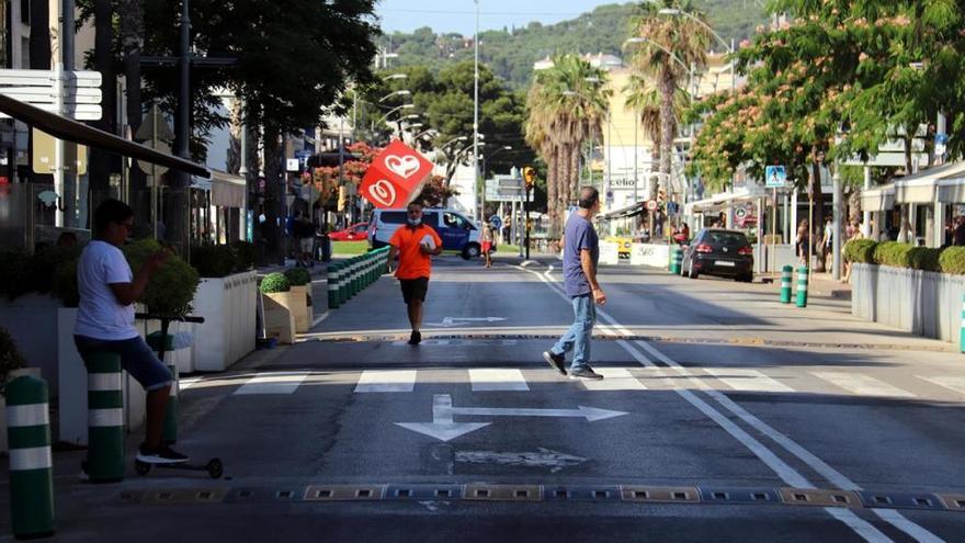 Platja d'Aro endarrereix el tall de l'avinguda principal per queixes dels comerciants