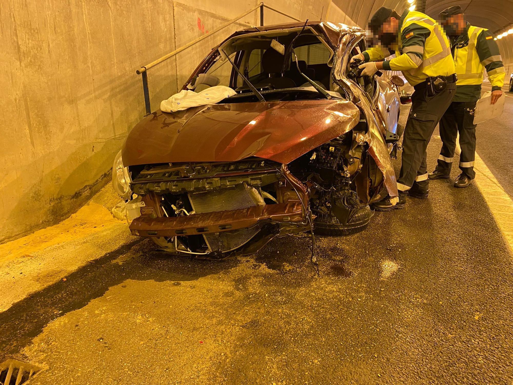 Fallece un joven de 24 años al chocar con la mediana en el túnel de la A-7 de Pilar de la Horadada
