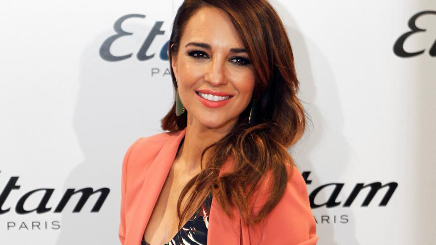Paula Echevarría predice el regreso del look navy con un outfit espectacular