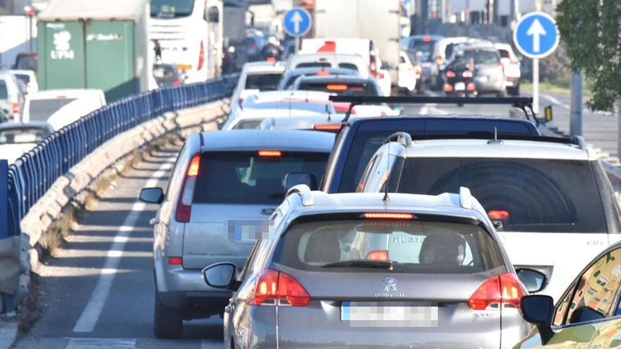 Retenciones en la autopista de Llevant por una colisión múltiple