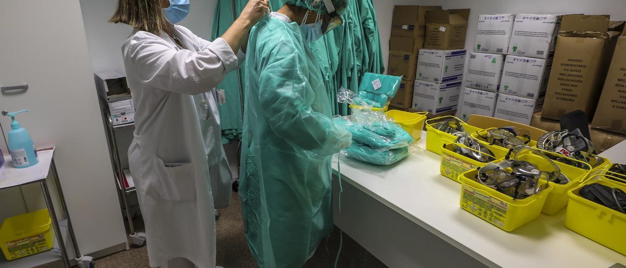 Sanitarios en un hospital de la provincia.