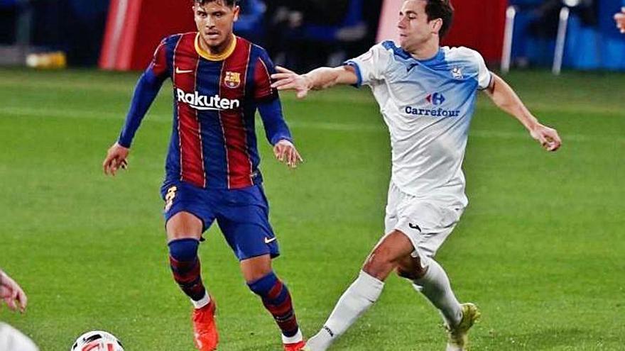 El Sporting sigue a Lucas de Vega, centrocampista del Barcelona B