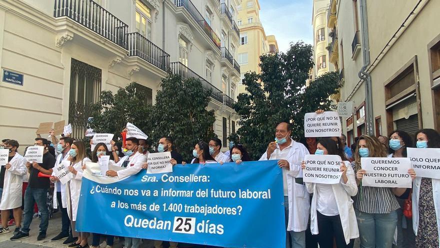 CCOO reclama que la reversión del Hospital de Torrevieja sea directa y  no a través de una empresa pública
