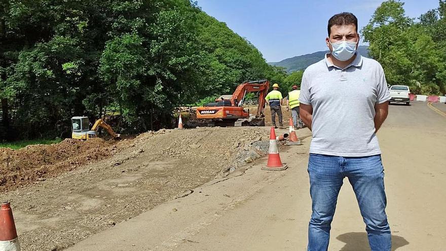 """Avanza la obra del paso alternativo al """"argayón"""" de Salas con la caja del futuro vial ya abierta"""