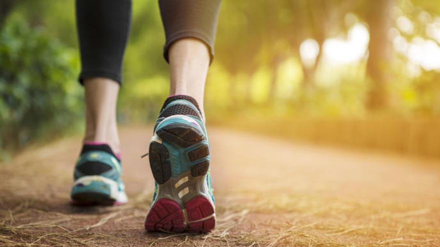 L'exercici de tota la vida que està de moda i has de fer per perdre pes i calories sense passar gana