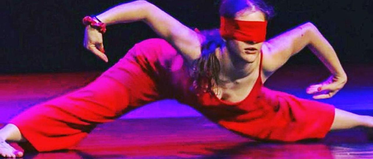 Mara Menéndez, durante su exhibición en el auditorio de Tarragona.   La Caracola    LA CARACOLA.