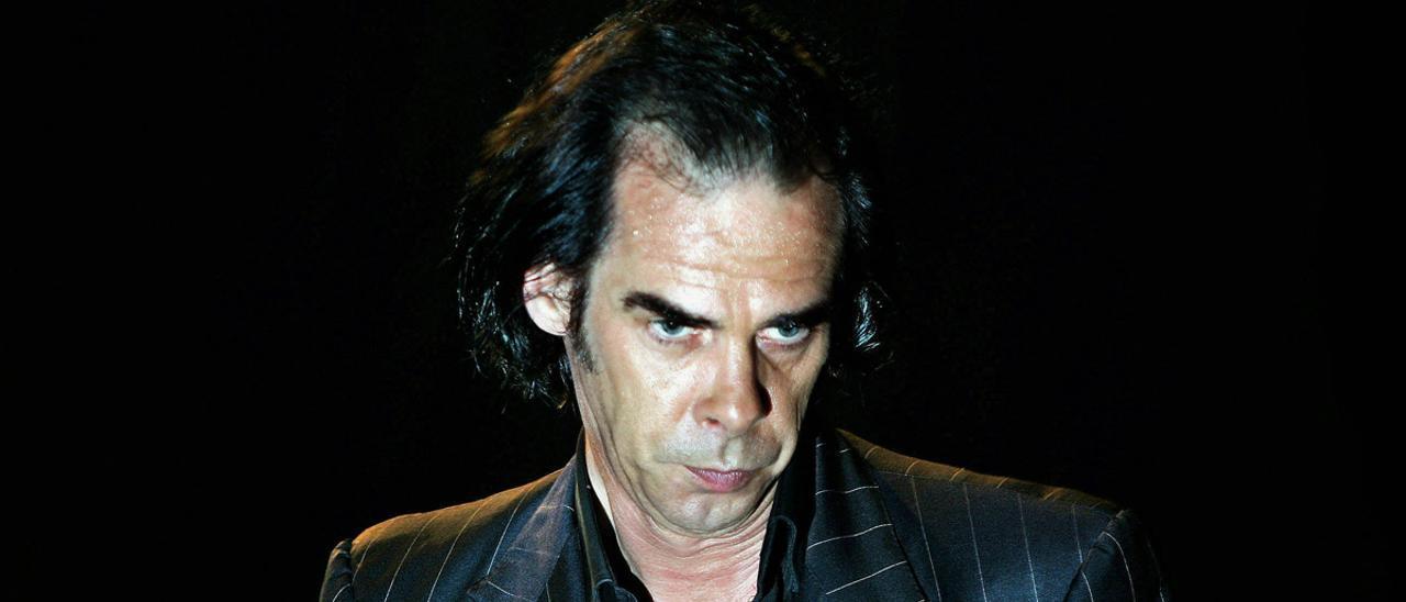 Nick Cave, durante una actuación en el Festival de Benicàssim, en 2005