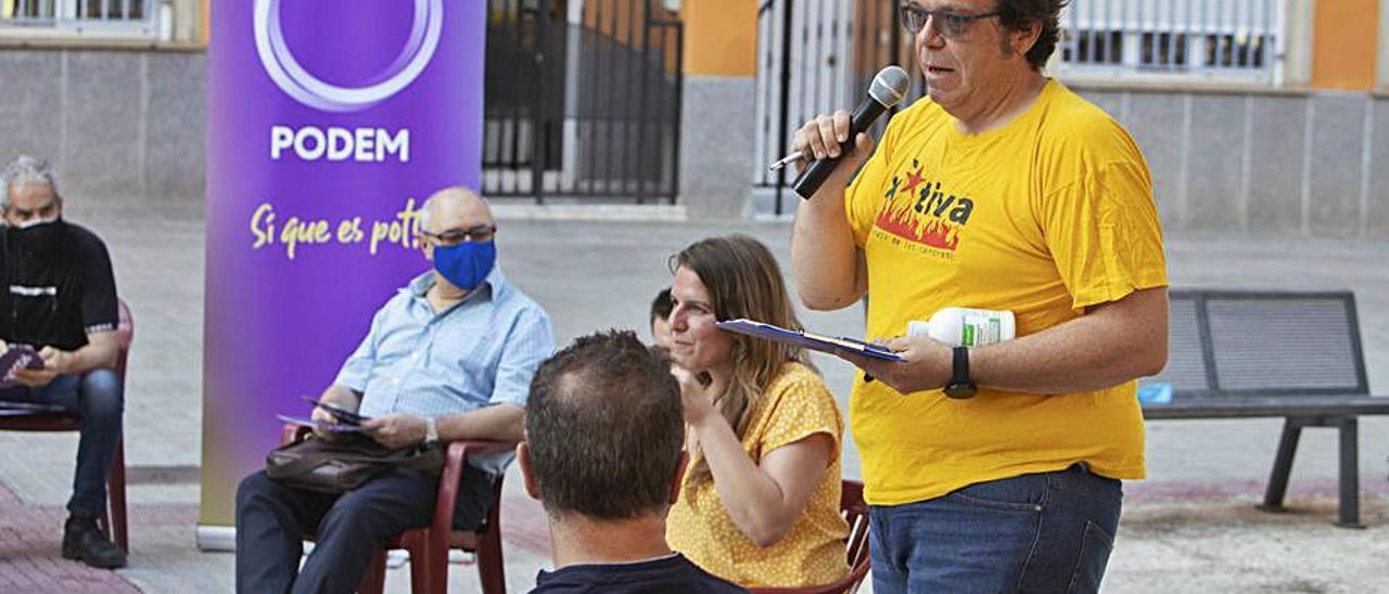 Un momento de la asamblea celebrada en Xàtiva. | PERALES IBORRA