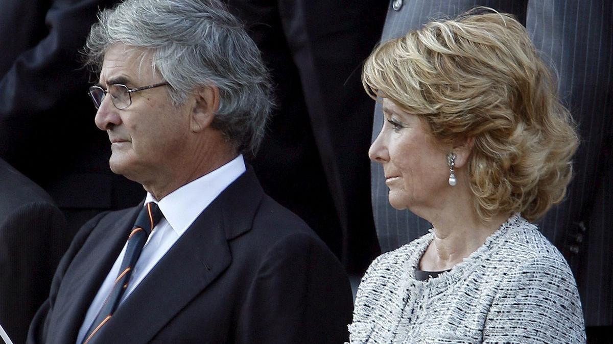 Fernando Ramírez de Haro y Esperanza Aguire, en una imagen de 2010.