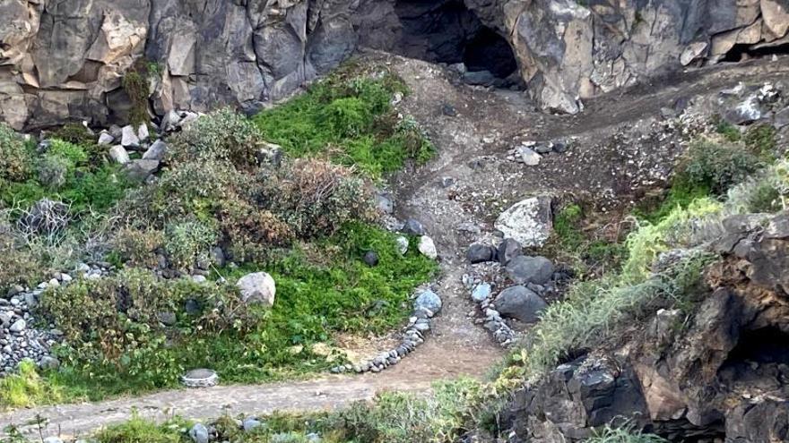 El Ayuntamiento recupera el acceso  a una de las cuevas de 'El Corredera'