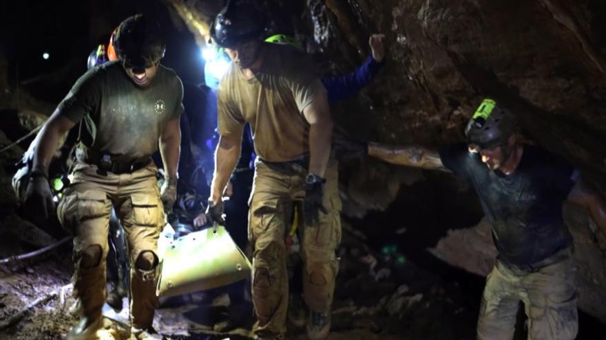 El rescate de doce niños en una cueva de Tailandia inspira una serie de Netflix