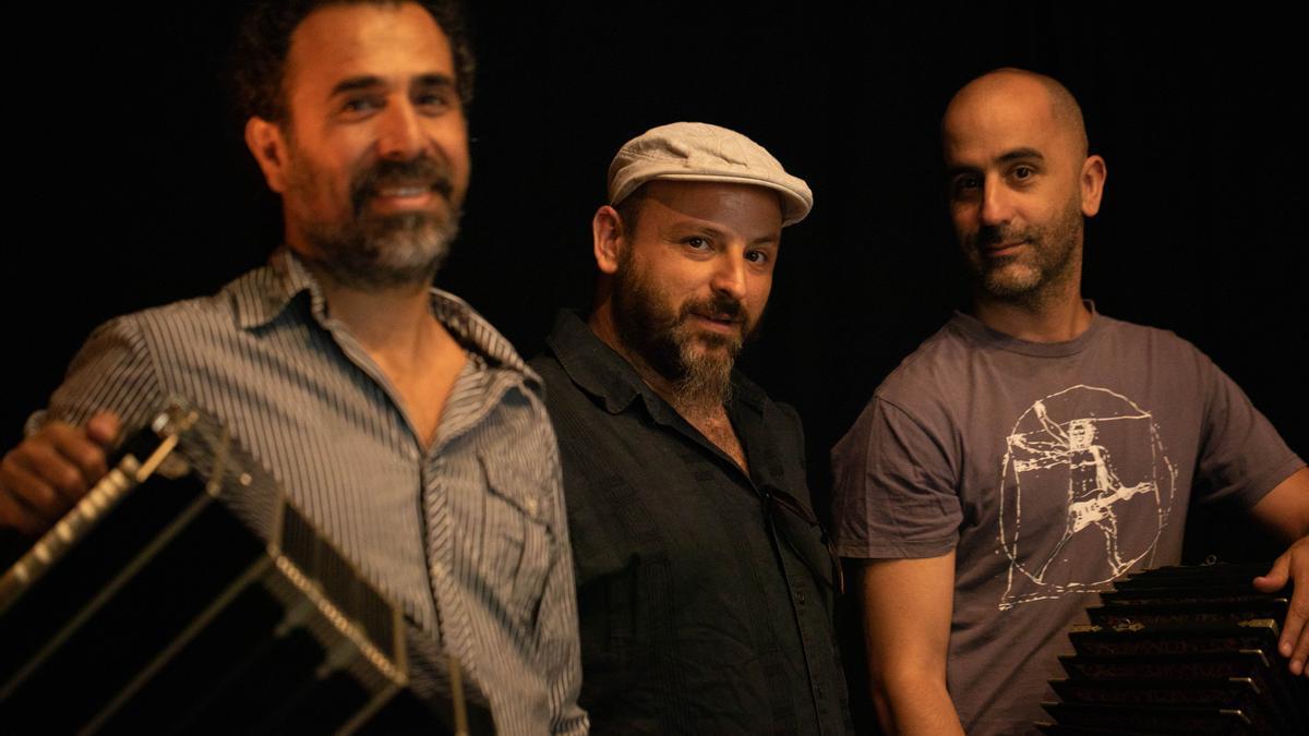 Javier López, Andrés Leoni y Juan Carlos Baeza, los componentes de Tangatos