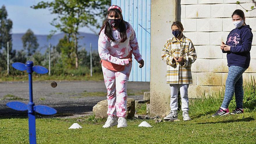 O Foxo y Pérez Viondi aprenden juegos populares y educación emocional