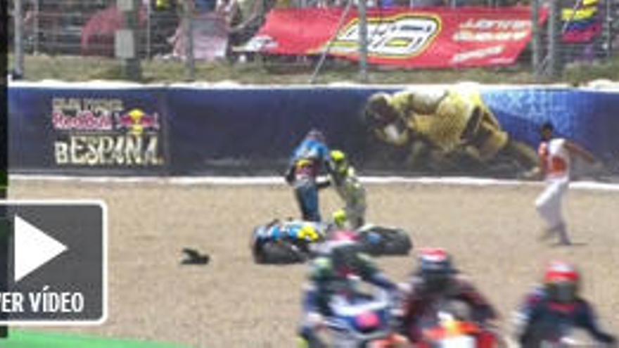 Jack Miller agrede a Álvaro Bautista y patea su moto tras una caída