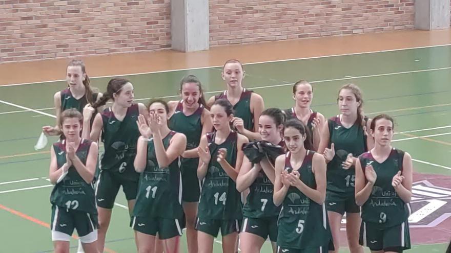 El Unicaja masculino y femenino pasan a octavos en el Campeonato de España Infantil