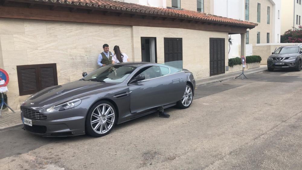 Marc López, con un Aston Martin prestado por Rafa Nadal