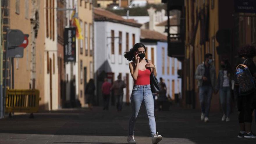 Canarias reduce en cuatro semanas la cifra de casos activos en un 80,5%