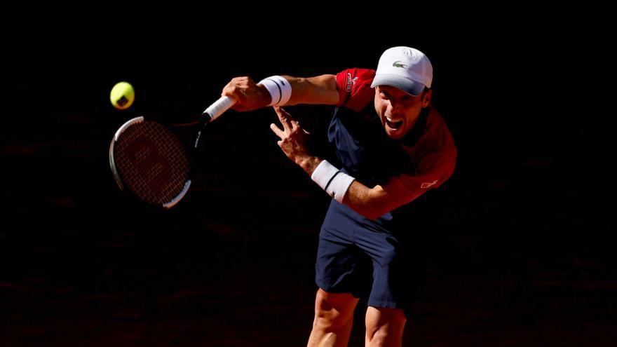 Bautista sufre en su estreno en el Mutua Madrid Open pero no da pie a la sorpresa