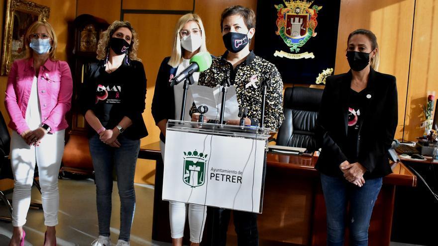 Petrer se suma a la labor de Acmavi para visibilizar la lucha contra el cáncer de mama