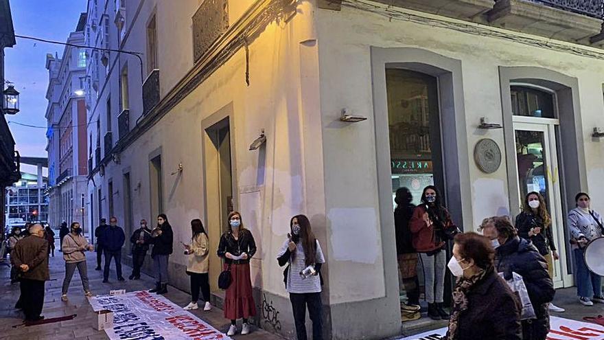 Trabajadores del Vecchio denuncian la falta de pagos y las sanciones de empleo y sueldo