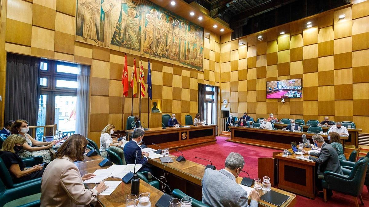Pleno extraordinario del Ayuntamiento de Zaragoza.