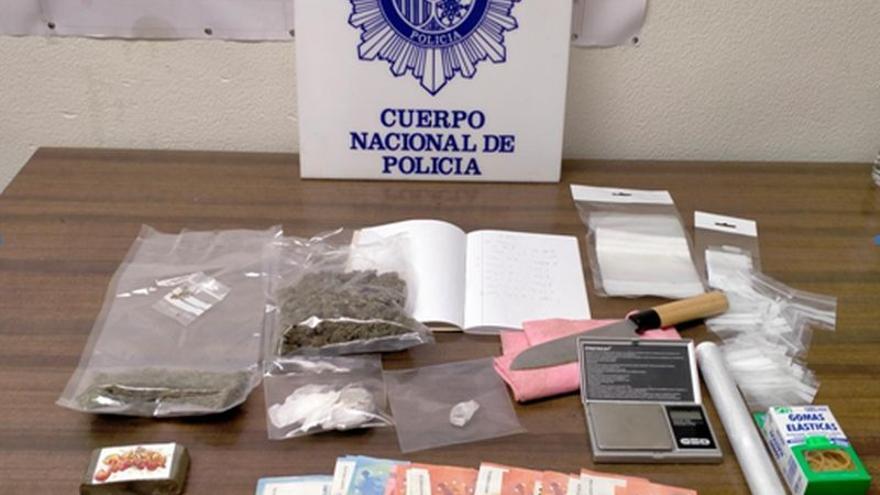 La Policía Nacional detiene a un joven de 19 años por vender marihuana y hachís en un domicilio de Vadorrey