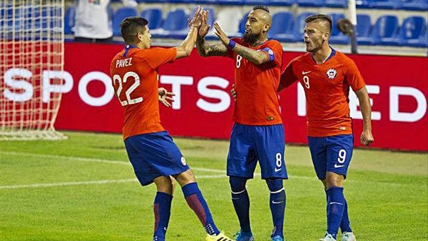 Chile gana (3-2) a Guinea en el Rico Pérez
