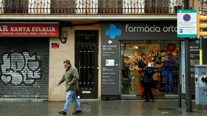 Catalunya estendrà les automostres per detectar la covid a través de farmàcies