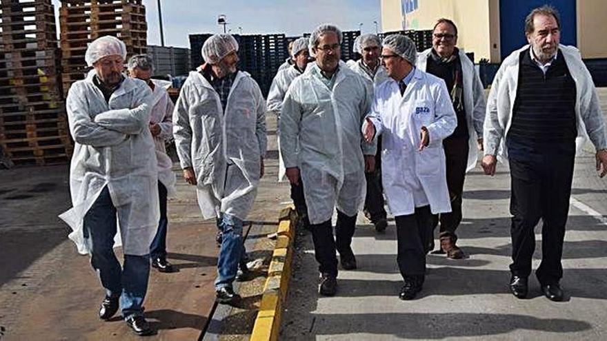 Francisco Guarido durante una visita realizada a la fábrica de Leche Gaza situada en la carretera de Almaraz.