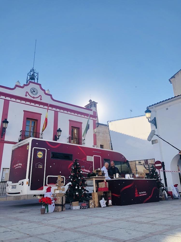 Gonzalo Miró y Toño Pérez graban un anuncio en Casar de Cáceres