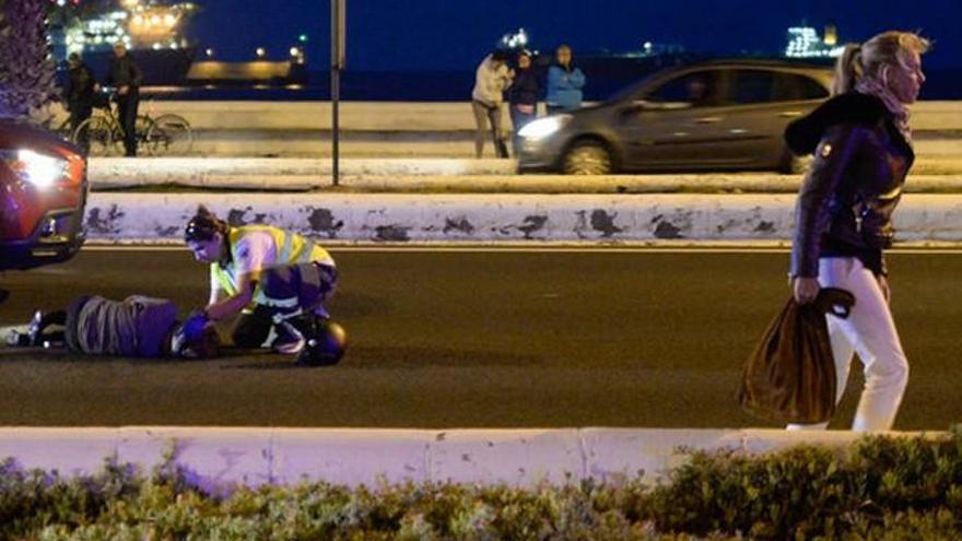 Belén Rueda auxilia a una mujer accidentada en Gran Canaria