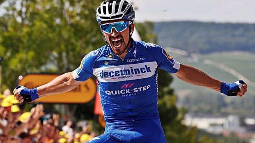 Demostració de classe d'Alaphilippe per guanyar l'etapa i posar-se líder al Tour