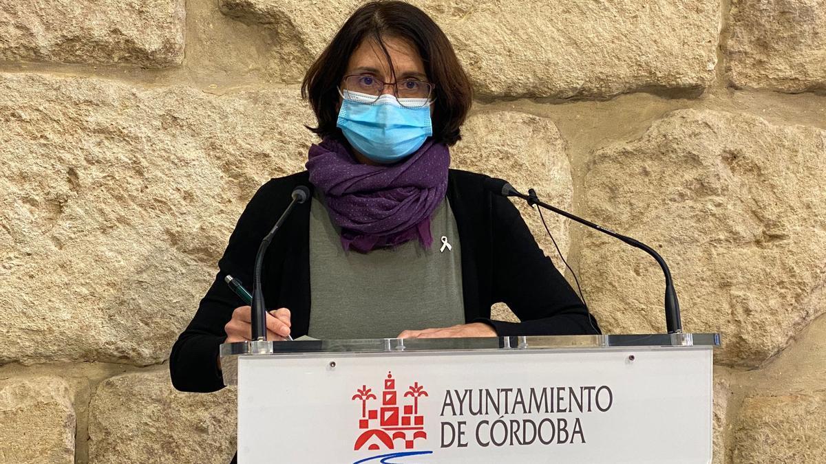 Amparo Pernichi, concejala de IU en el Ayuntamiento de Córdoba.