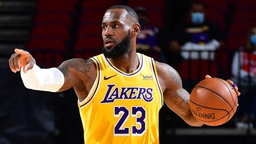 Kevin Durant y LeBron James lideran la primera votación para el All-Star 2021