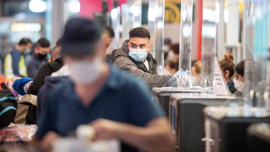 """Simón, crítico con las PCR obligatorias a los viajeros: """"No compensa el esfuerzo"""""""