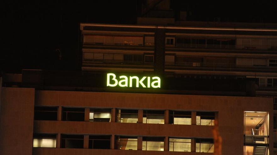 Bankia exime del pago de comisiones a 160.000 clientes de Murcia